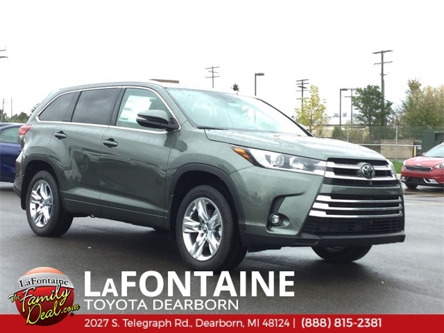 New 2019 Toyota Highlander Limited AWD Demo