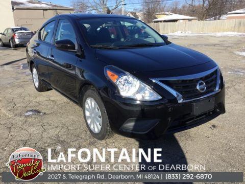 Pre-Owned 2019 Nissan Versa 1.6 SV 4D Sedan FWD